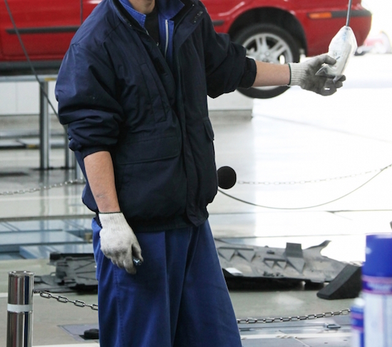 自動車整備士不足で整備不良のクルマが増える!対策しなければクルマ社会に異変が必ず訪れる