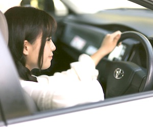 軽自動車のタイヤ交換時期の目安と安く購入し手ぶらで取り付けてもらう方法